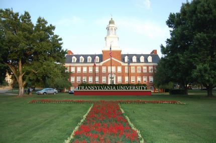 Seniors raise money for new Transylvania University Sign
